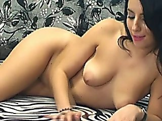 Pretty Hot Chick Fingering Her Shaved Pussy Hd