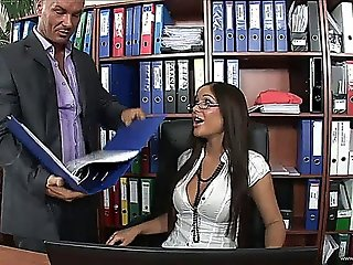 Secretaries-4-sc3.720p W Angelica Heart