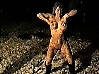 Yvonne Naked In The Snow