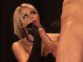 Sexy Blonde Takes A Facial After Fucking