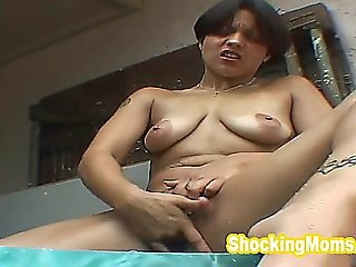 Hot Babe Fingering Her Pussy