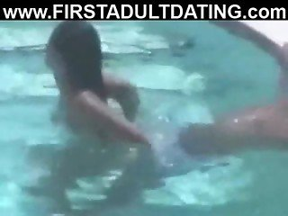 Spycam on latin amateurs sex dating in pool