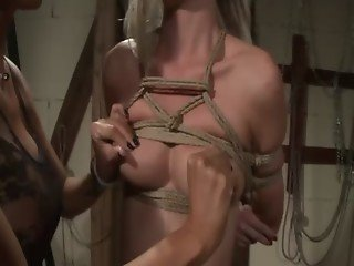 Brunette LEZDOM domina squeezing blondes tits
