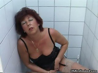 Horny mature housewife fingering