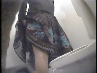 hidden webcam upskirt