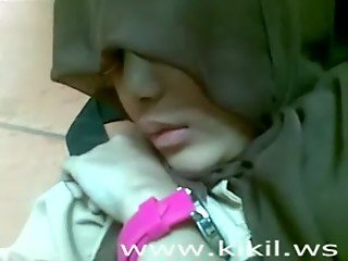Beauty Indonesian Hijab Girl Fuck on The Floor
