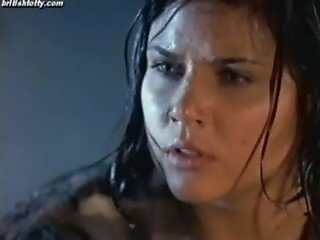 Hollywood Celebrity actress hot sex in Bathtub