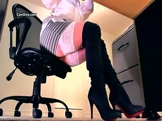 Spy video of legs in stockings and thigh boots