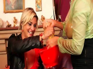 Sex bomb lesbians in wet and messy threesome