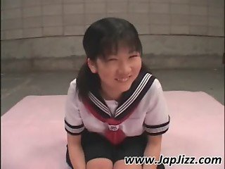 Asian schoolgirl rub snatch