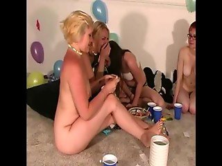 Lesbian teens have fun muff diving