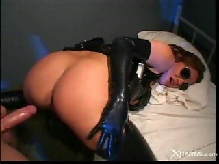 Lady Cop Fucking Her Prisoner - Latex Cops