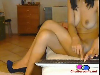 Naked Babe with High Heels and Dildo - Chattercams.net