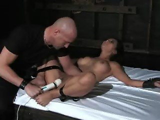 Gianna Lynn in the dungeon - Part02