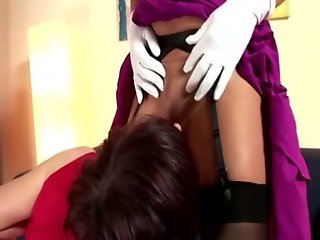 Lucious lesbians pussy foreplay
