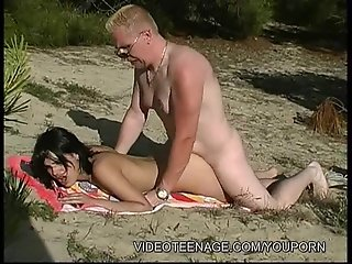 18yo girl fucked by voyeur at beach