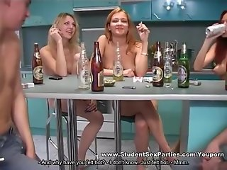 Students Are Nude and Horny at the Party