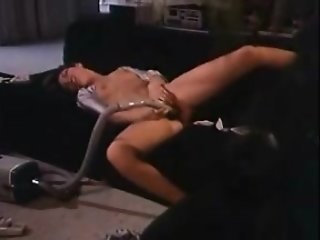 lonely_housewife_fucking_her_vacuum