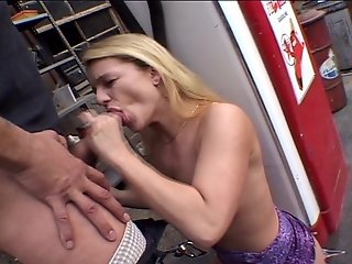 Jesseca loves pumping sperm instead of gas (CLIP)
