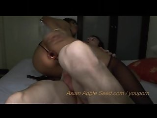 Hot hot hot !!! Asian chick sucks on her own butt plug after anal session