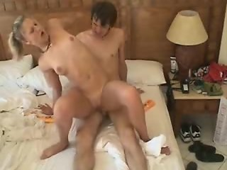 Student couple film their fuck on vacation