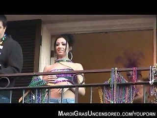Mardi Gras Uncensored flashing balcony