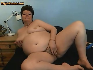 BBW Granny Getting Naughty On Webcam