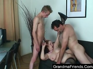 Fat mature takes two cocks and loads of hot jizz