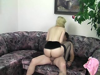 Mature amateur fucks lucky fat dude