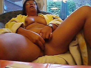 Silke goes Wild. German Milf fucking herself