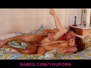 HOT redhead bombshell Laxi Bloom gives her man an amazing BJ