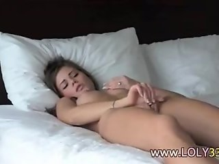 HOT GIRL IS MASTURBATING