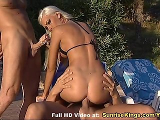 Brigita Bui pool double penetration and cumshot
