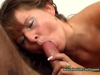 Mature Babe Suck Huge Dick And Make It Cum