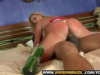 Micheli Couto blows on cock in Brazilian Vixen