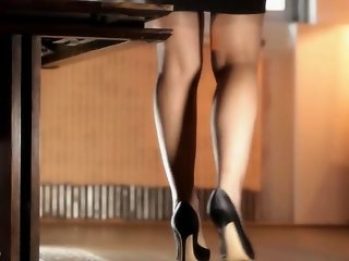 BEAUTIFUL LEGS (THE SOUND OF NYLONS)