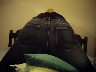 Masturbation with orgasm in jeans - beautyful ass