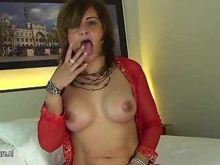 Old housewife loves to get wet and naughty