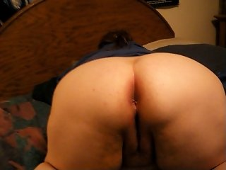 Mature Bbw housewife fucking a huge cucumber doggystyle