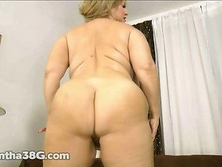 Big Booty BBW Samantha 38G Shakes Her Ass
