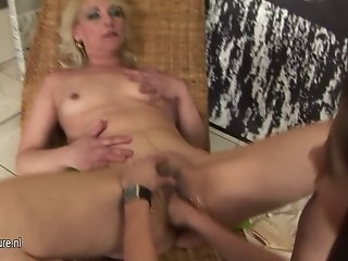 Hot daughter fisting a mature slut