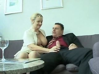 German chubby mature Bea Dumas