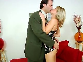 Hot mom Jessie Fontana gives her lover a great ride.