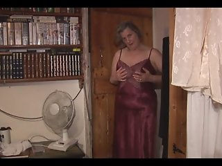 Tess, the old beautiful granny - scene 3