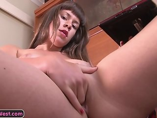 Hairy amateur babe enjoys a strong orgasm with her toys