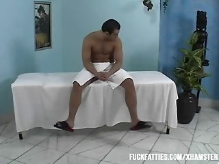 This Hot BBW gets a really thorough and deep pussy massage!