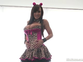 LiveGonzo Lisa Ann Hot Busty Mom Fucking
