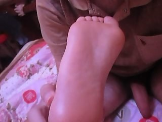 I deep throat my chinese GF feet! (Asian soles, foot fetish)
