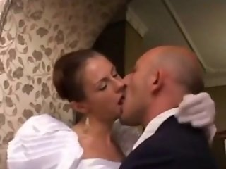 Italian bride threesome with a transex