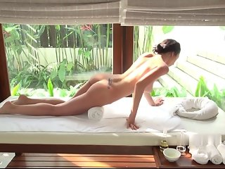 Engelie Oil Massage 1